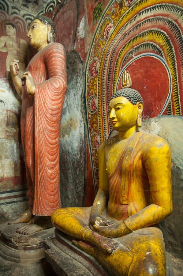Buddha statuy przy Dambulla Zawalają się świątynię, Sri Lanka obraz stock