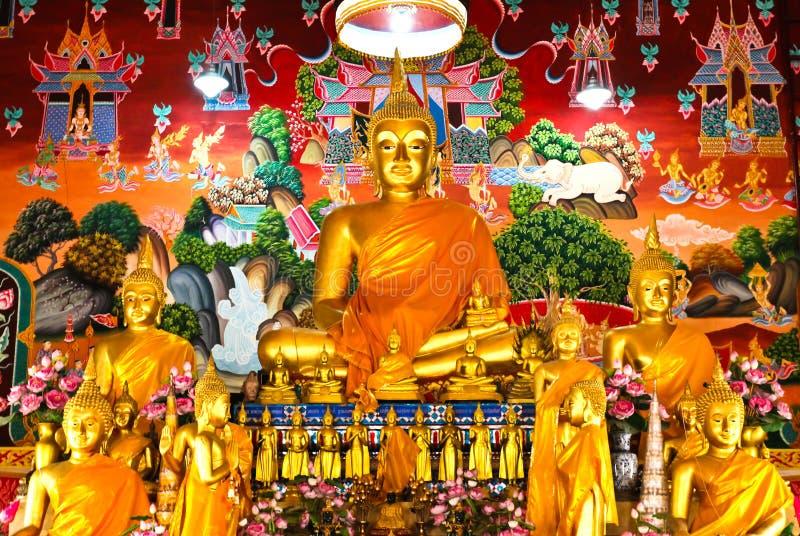 buddha statytempel thailand arkivbild