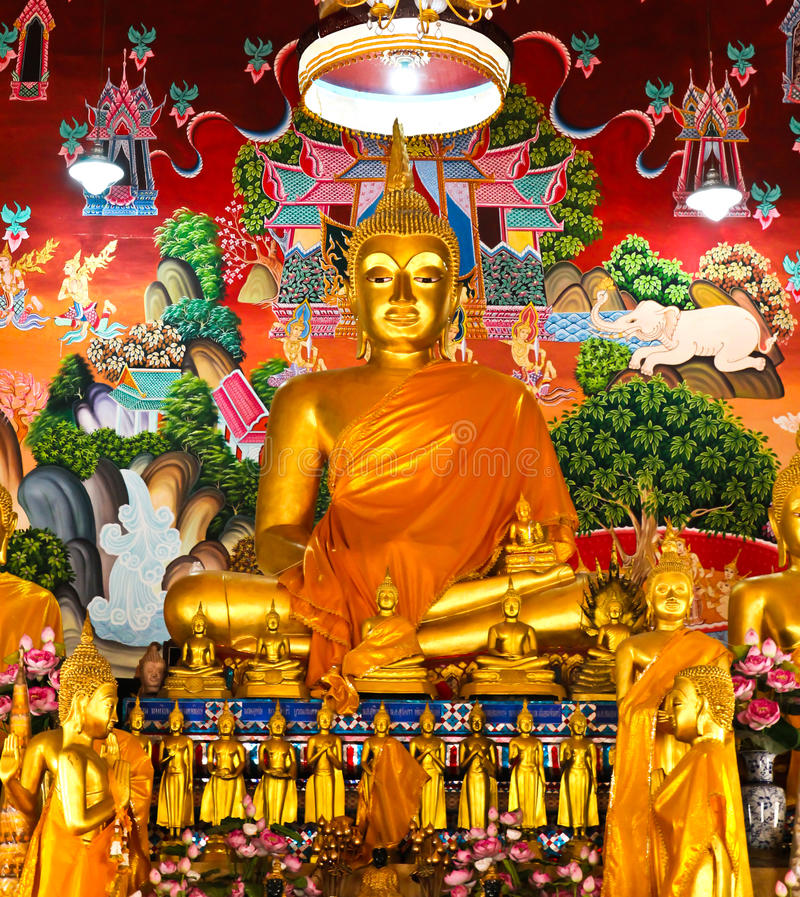 buddha statytempel thailand royaltyfria foton
