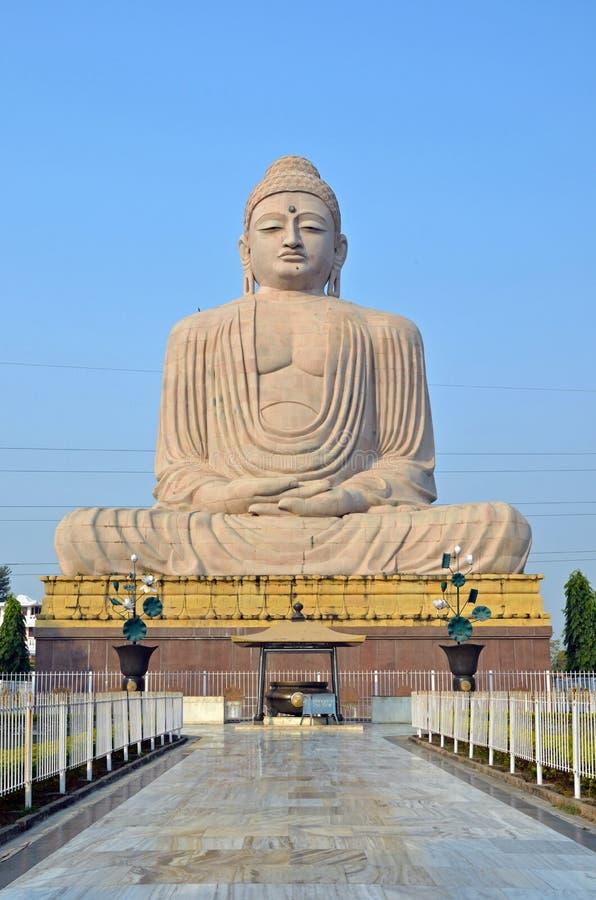 buddha stor staty royaltyfria foton