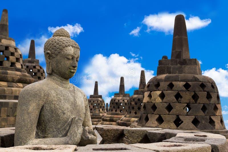 Buddha in tempio di Borobudur immagine stock