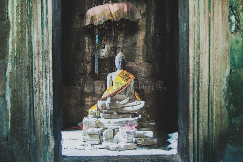 Buddha templet, zenen, ankorwat, Cambodja, fördärvar, utforskning, reslusten, semestern, fred, lugn arkivbild