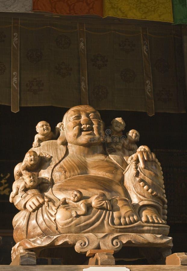 Buddha und Kindstatue (Yamadera) stockfotos