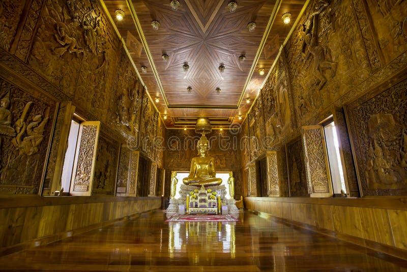 Buddha w tekowym drewnie obraz royalty free