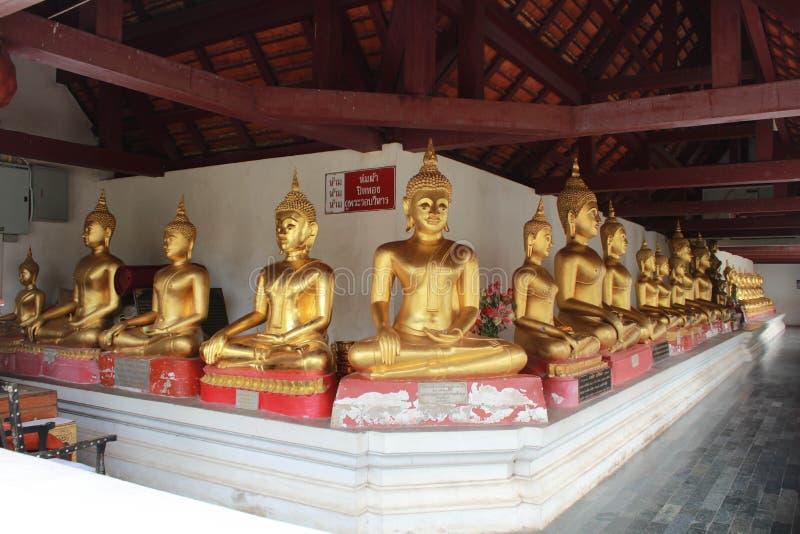 Buddha in Wat Phra Sri Rattana Mahatat Woramahawihan Tailandia fotografie stock libere da diritti