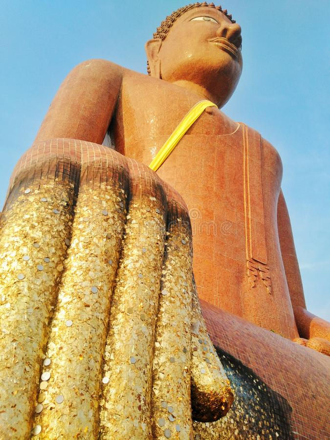 Buddha wizerunek, Tajlandzka świątynia, święte rzeczy, religia, atrakcje turystyczne, punkt zwrotny, odpoczywający, błogosławiący obraz royalty free