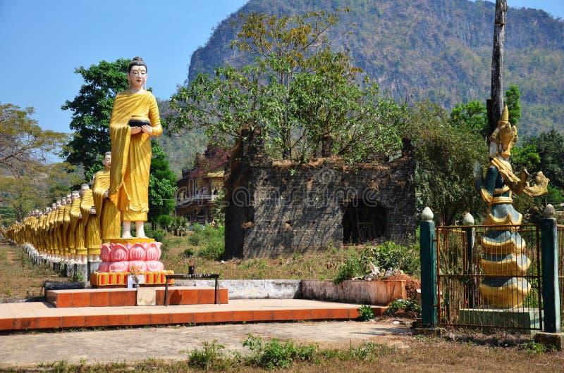 Buddha wizerunku statua przy Tai Ta Ya monasterem obraz royalty free