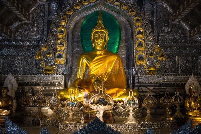 Buddhaaltare royaltyfri foto