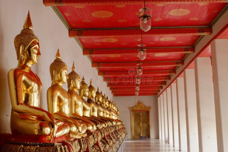 Buddhabild i Wat Pho royaltyfri bild