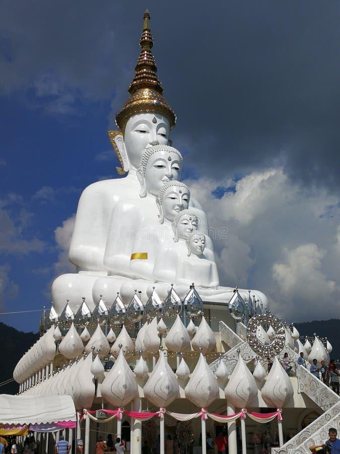Buddhabild, Wat Phra That Pha Hae Kaeo royaltyfria bilder