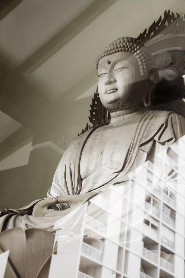 Buddhafönster royaltyfria bilder