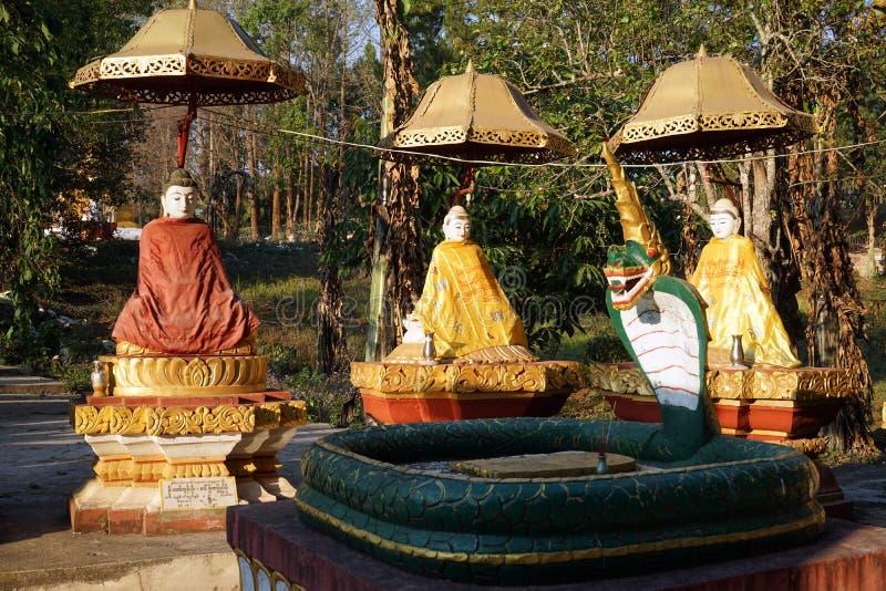 Buddhas和蛇 库存图片