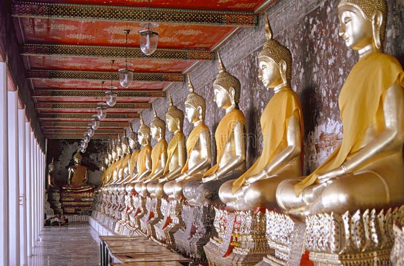 buddhas χίλια της Μπανγκόκ στοκ φωτογραφίες