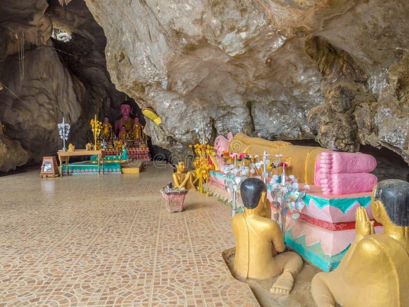 Buddhas in het hol van Tham Xang, Laos royalty-vrije stock afbeelding
