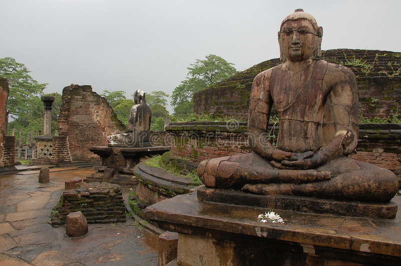 buddhas polonnaruwa供以座位的vatadage 免版税库存图片
