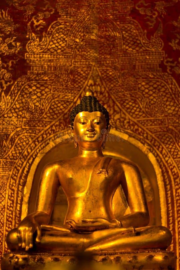 Buddhasihink in Wat Phra Singh, Chiangmai immagini stock libere da diritti