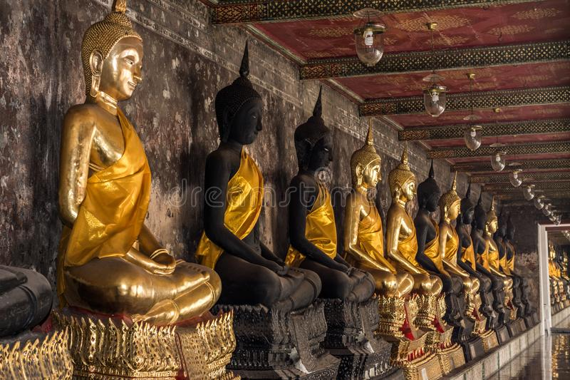 Buddhastaty av Thailand och Asien royaltyfri foto