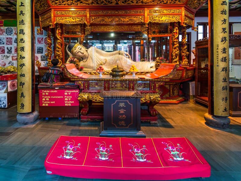 Buddhastaty i Jade Buddha Temple arkivbilder