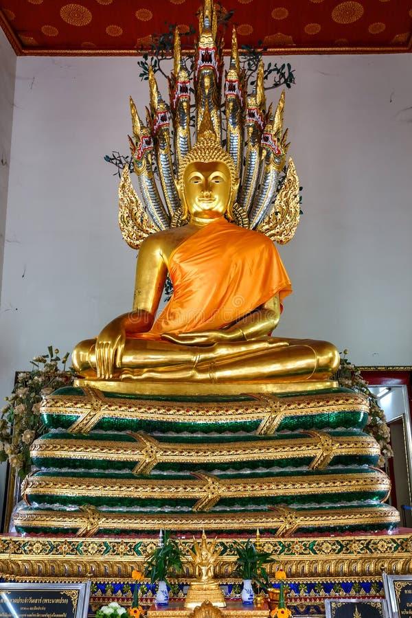 Buddhastaty i Wat Pho (den Pho templet) i Bangkok royaltyfria bilder