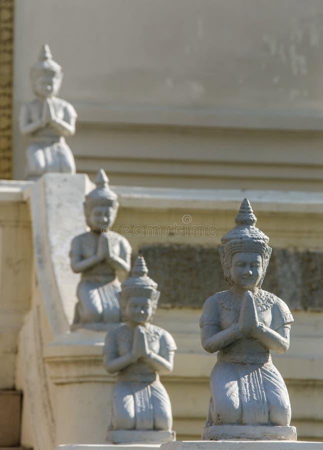 Buddhastaty i watumong, Chiang Mai arkivbild