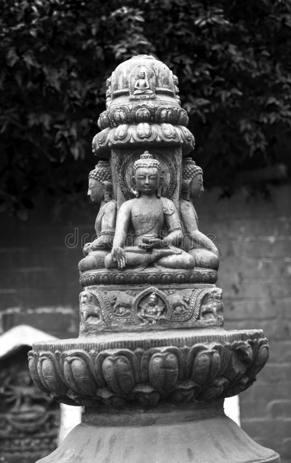 Buddhastatyer chorten på tornspiran, Katmandu, Nepal arkivfoto