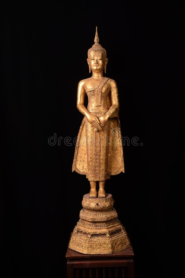 Buddhastatystandind royaltyfria foton