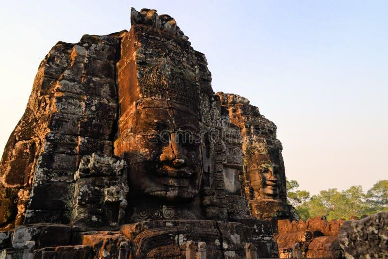 Buddhastenen vänder mot, den Bayon templet, Angkor, Cambodja royaltyfria foton