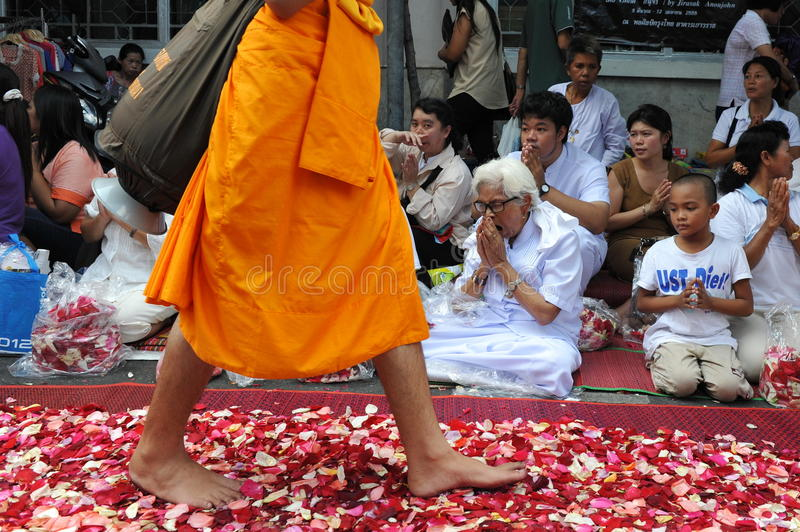 Download Buddhist Pilgrimage editorial photo. Image of ceremony - 28672691