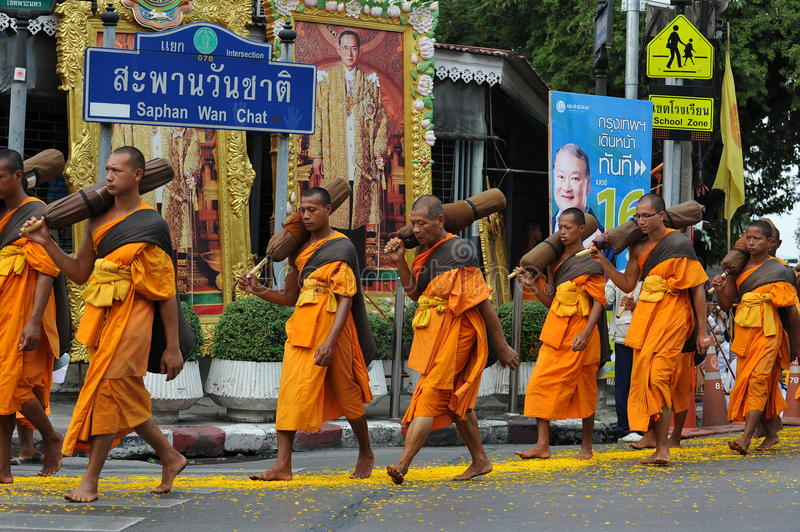 Download Buddhist Pilgrimage editorial image. Image of holiday - 28853925