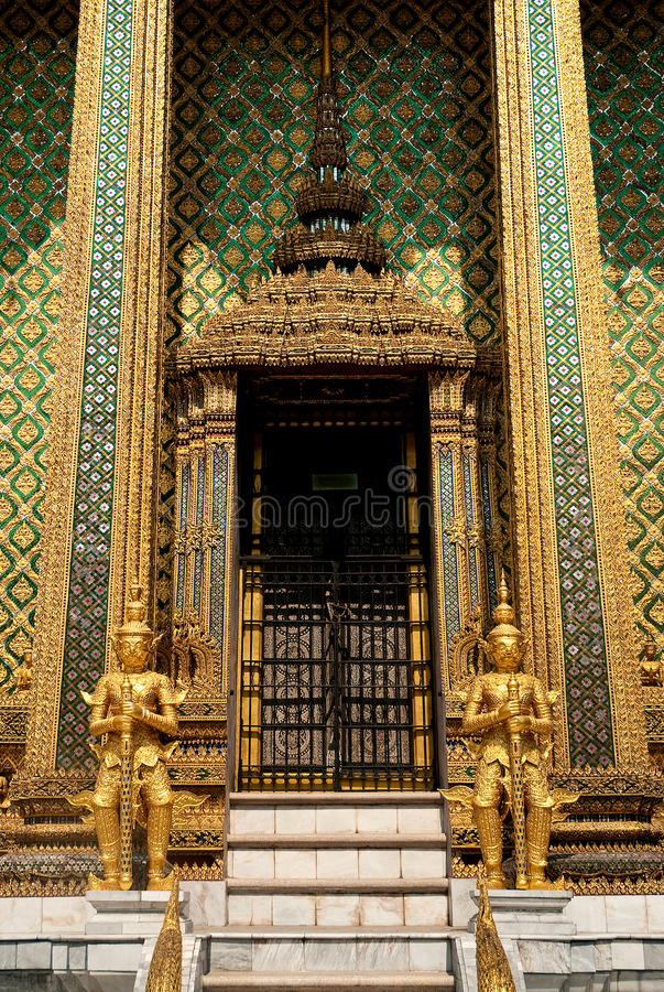 Download Buddhist Temple In Grand Palace Bangkok Thailand Stock Image - Image: 19109495