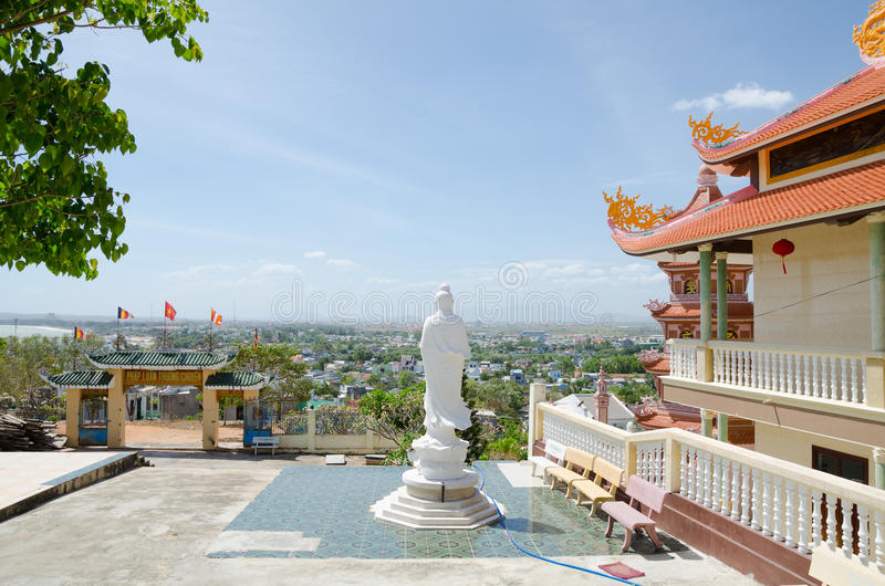 Download Buddhist temple in Vietnam editorial image. Image of dragon - 30057640