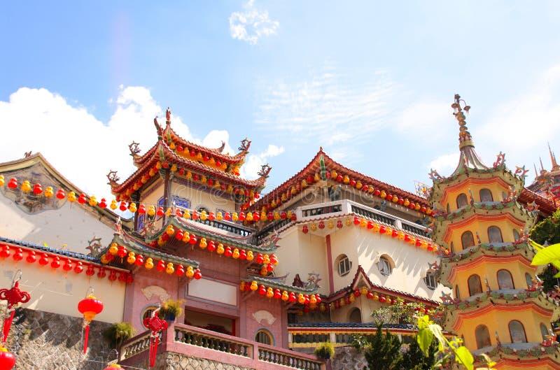 Buddhist-templet Kek Lok Si, Georgetown, Penang ö, Malaysia royaltyfri fotografi
