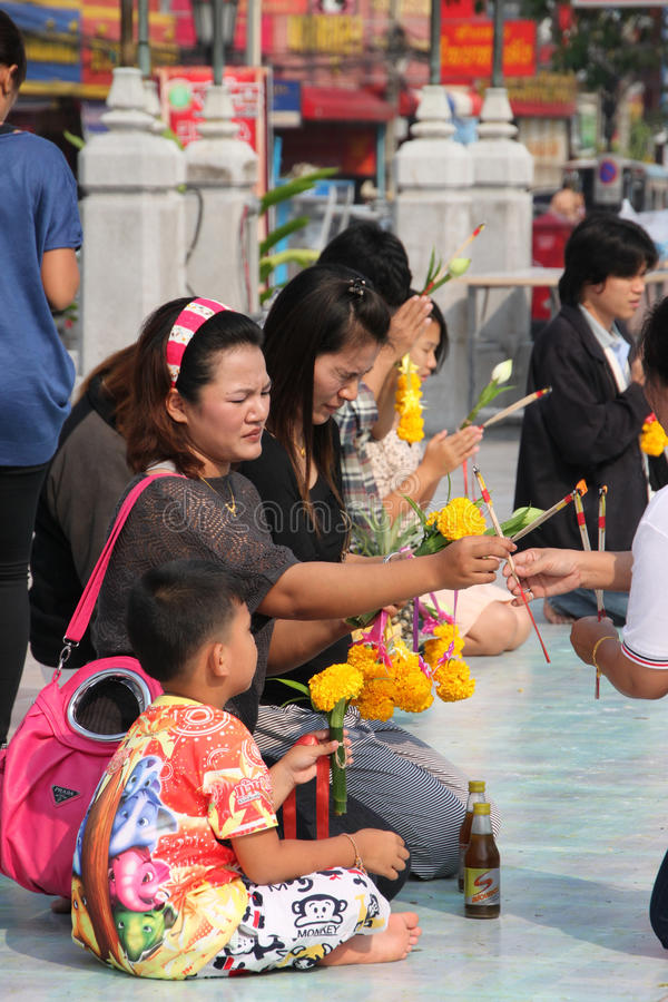 Download Buddhist Worshiping And Making Religious Merit Editorial Image - Image of ritual, outside: 22880280