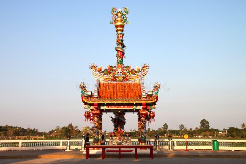 Buddhistische Anbetung und Herstellung der frommen Übertragungsgüte lizenzfreie stockbilder