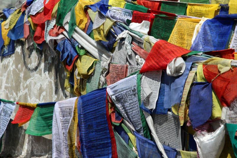 Buddhistische betende Markierungsfahne stockfotografie