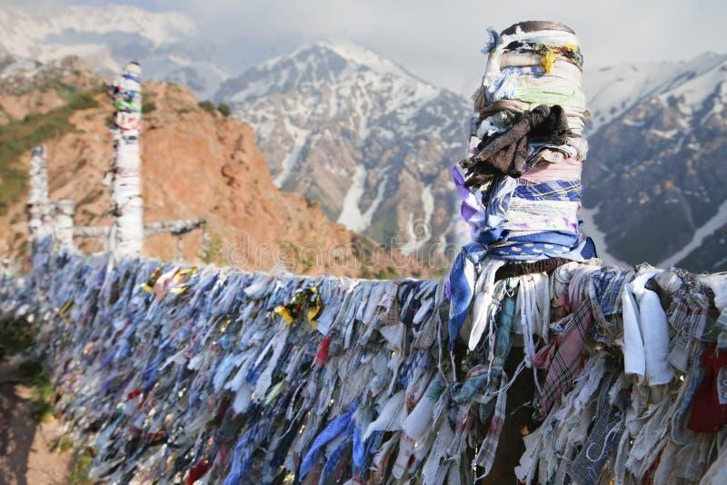 Buddhistische Gebets-Bänder stockfoto