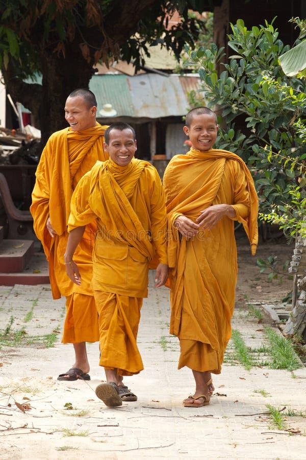 Buddhistische Mönche in Kambodscha lizenzfreies stockfoto