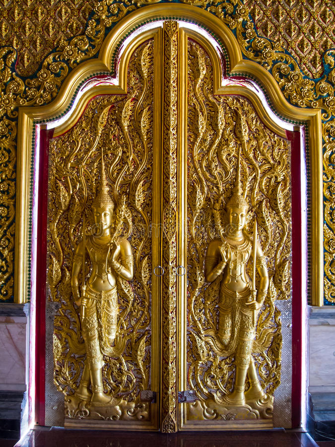 Buddhistische Tempel Uthaithani Thailand lizenzfreie stockbilder