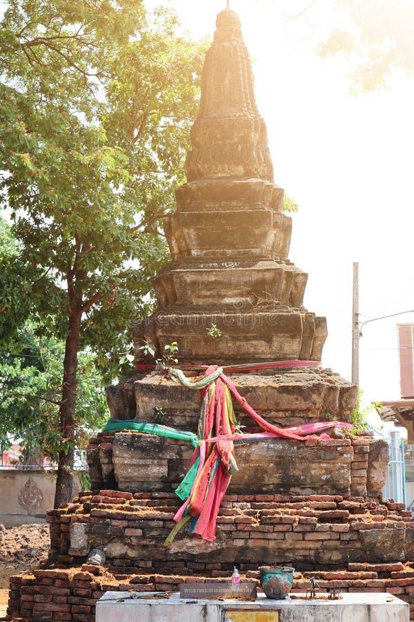Buddhistischer Glaube der alten Ziegelsteinpagode an thailändische Tempel, Touristenattraktionen draußen gelegen lizenzfreies stockfoto