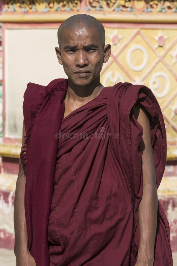 Buddhistischer Mönch - Monwya - Myanmar (Birma) lizenzfreie stockbilder