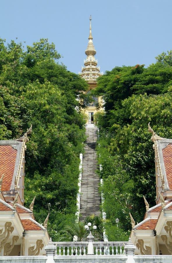 Buddhistischer Tempel auf Gipfel lizenzfreies stockbild