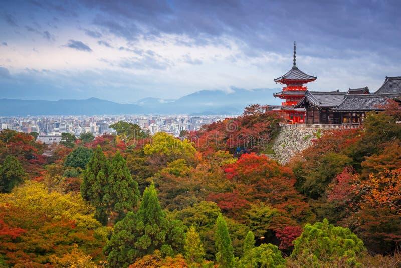 Buddhistischer Tempel Kiyomizu-Dera in Kyoto lizenzfreie stockfotos