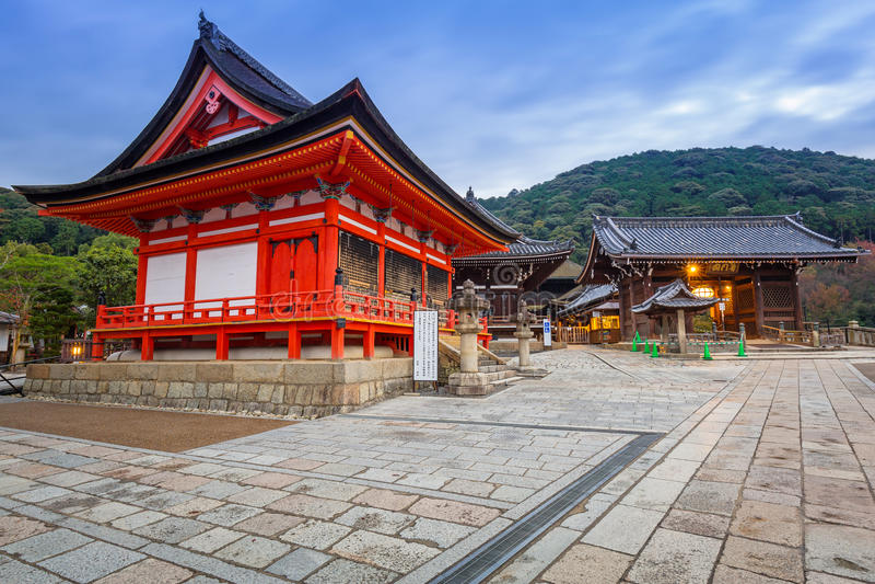 Buddhistischer Tempel Kiyomizu-Dera in Kyoto, Japan lizenzfreie stockbilder