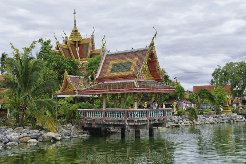 Buddhistischer Tempel, Koh Samui: Thailand lizenzfreie stockfotografie