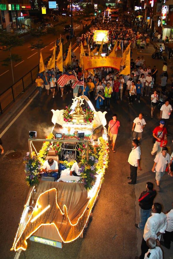 buddhists tłumów pławików korowodu wesak obrazy royalty free