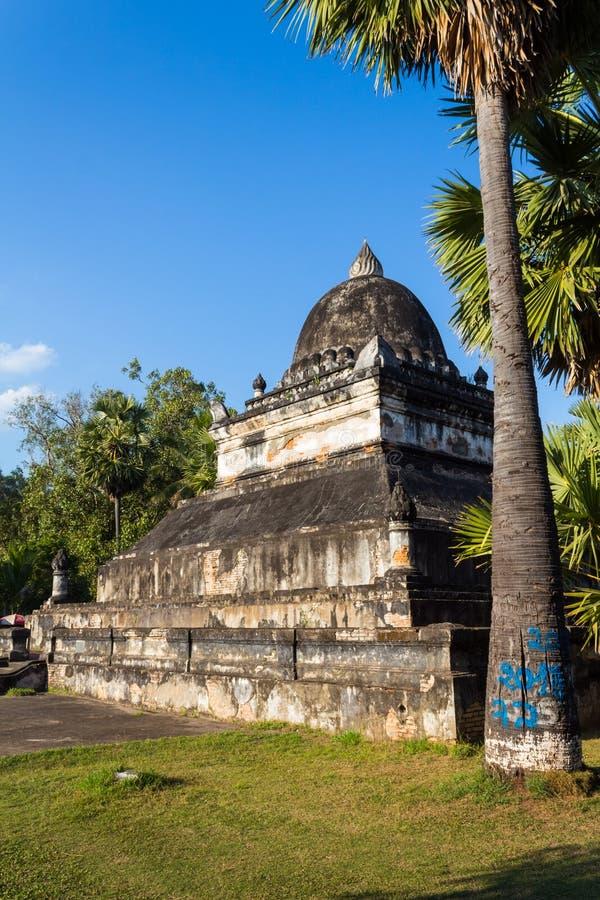 Buddist Wat Visoun Stupa i Luang Prabang i Laos arkivfoto