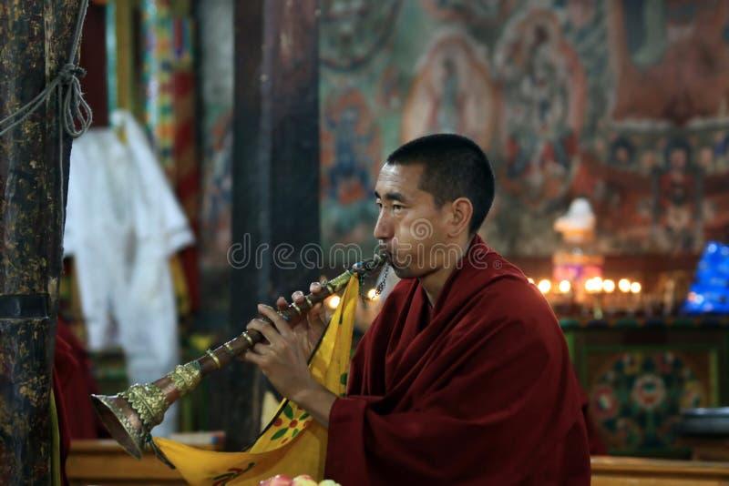 buddistisk ceremonimonk royaltyfria bilder