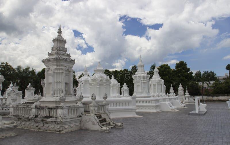 Buddistisk kyrkogård för forntida dynasti arkivfoto