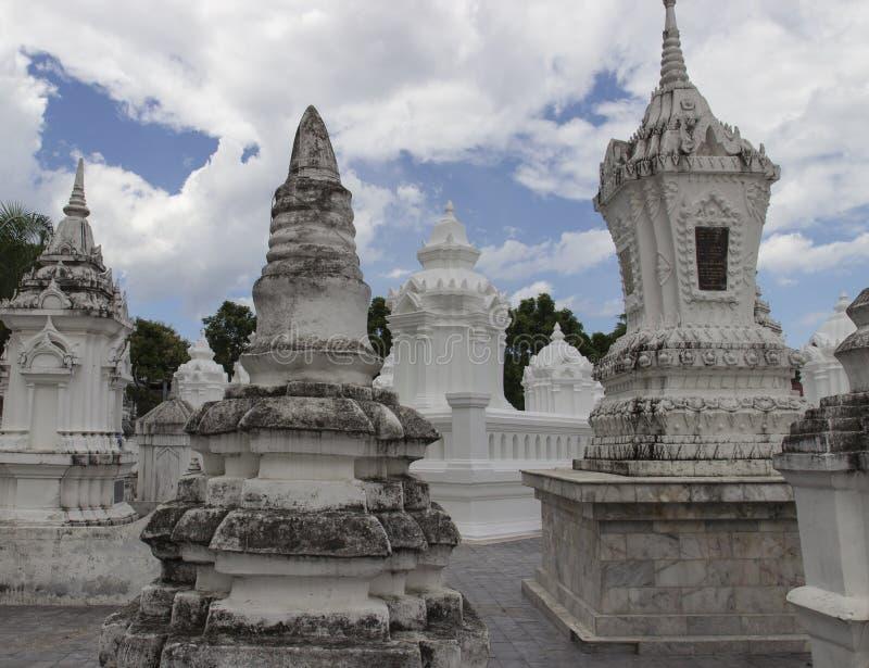 Buddistisk kyrkogård för forntida dynasti arkivbilder