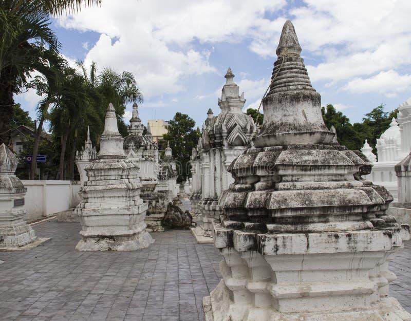 Buddistisk kyrkogård för forntida dynasti arkivfoton
